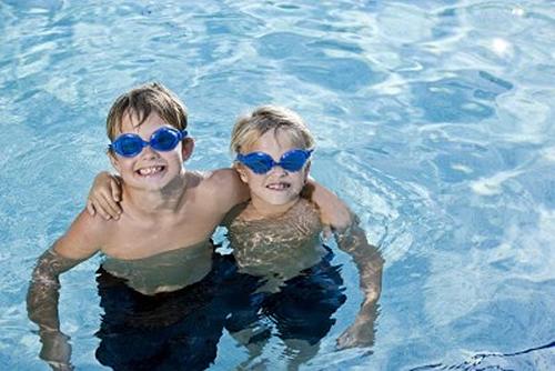 in-pool-wearing-swim-goggles